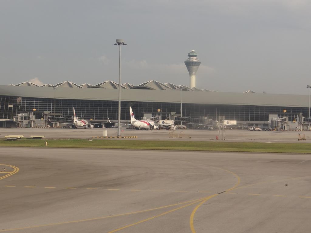 Главный аэропорт малайзии вид из