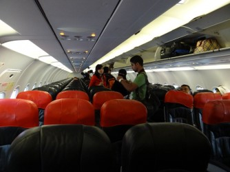 02 AirAsia insude plane