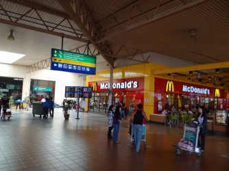 03 McDonalds LCCT