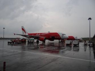 32 Airplane under Rain