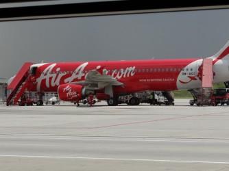 02 AirAsia plane