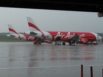 03 AirAsia airplane