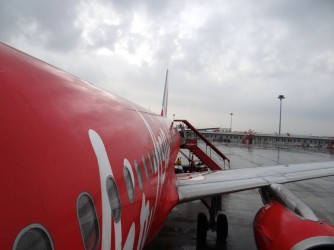 06 AirAsia airplane