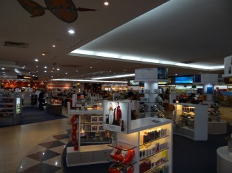 06 Cosmetics and Beauty Duty Free Shop