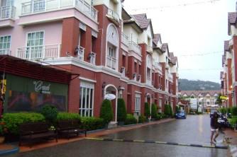 05 Rain in Phuket city