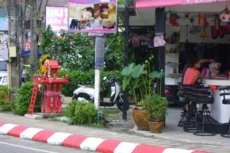 16 Bar and restoran Phuket