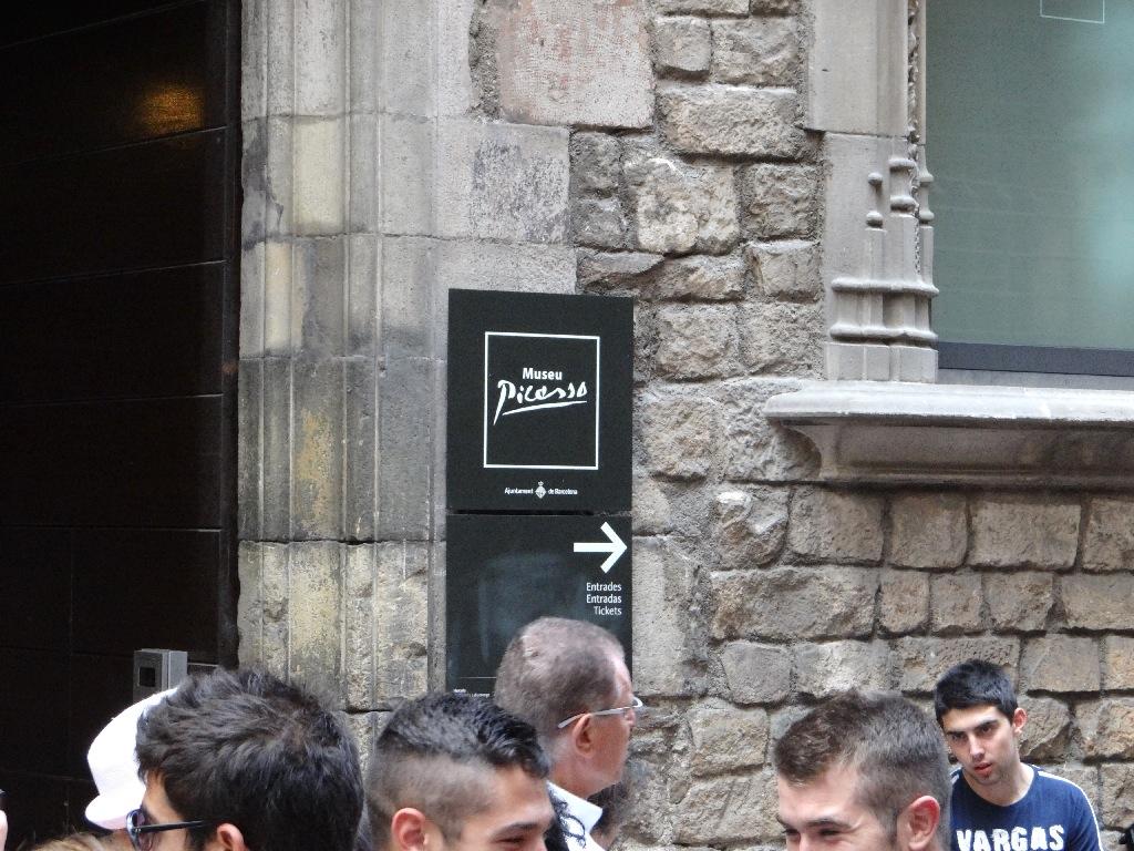 Museu Picasso enterance mark