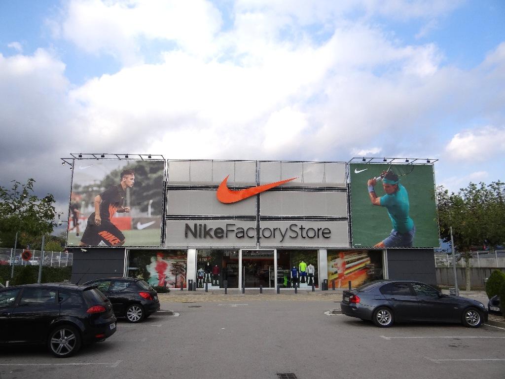 Outlet La Roca Villige Nike Factory Store