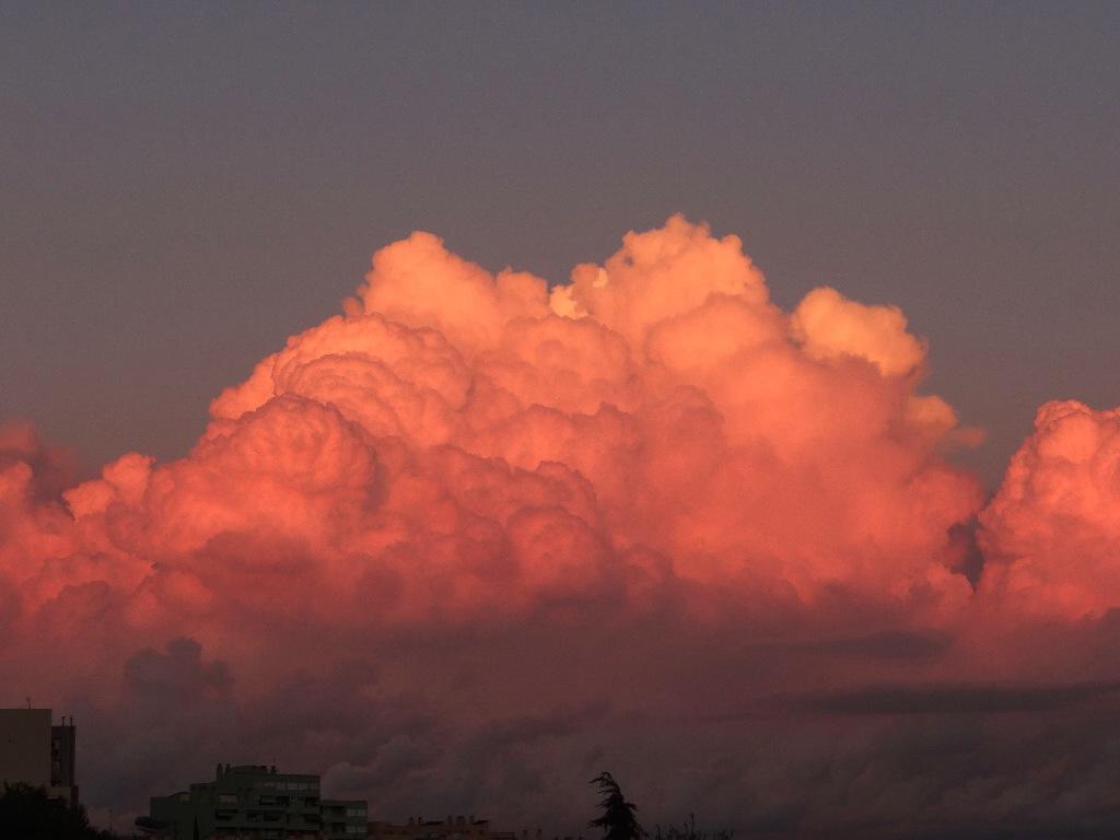 Park Güell red sunset
