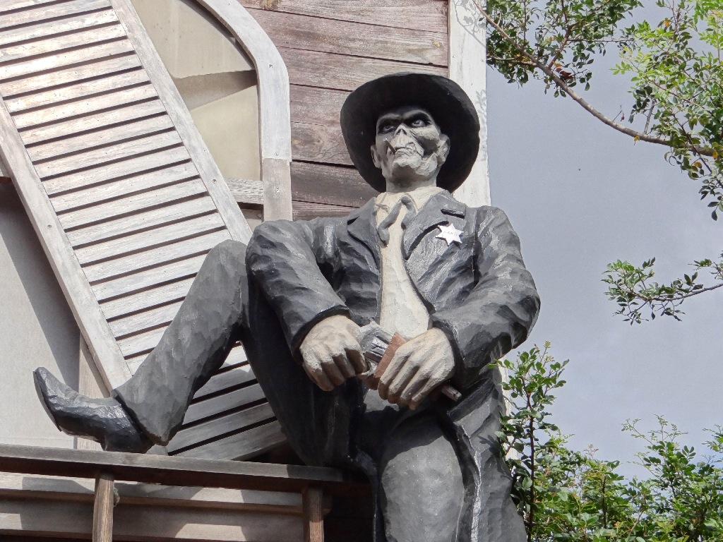 PortAventura Halloween dead sheriff