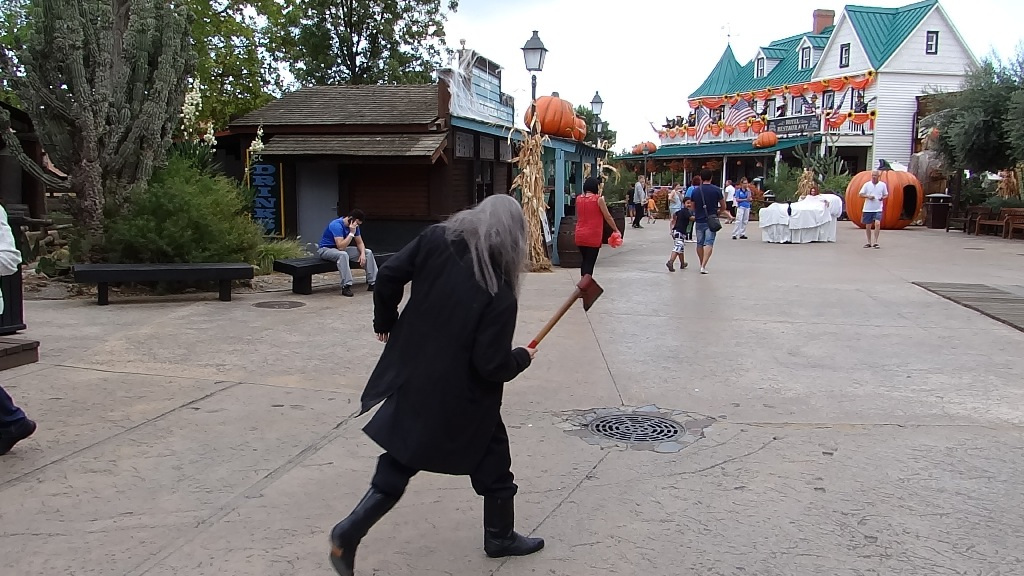 PortAventura Halloween man with ax