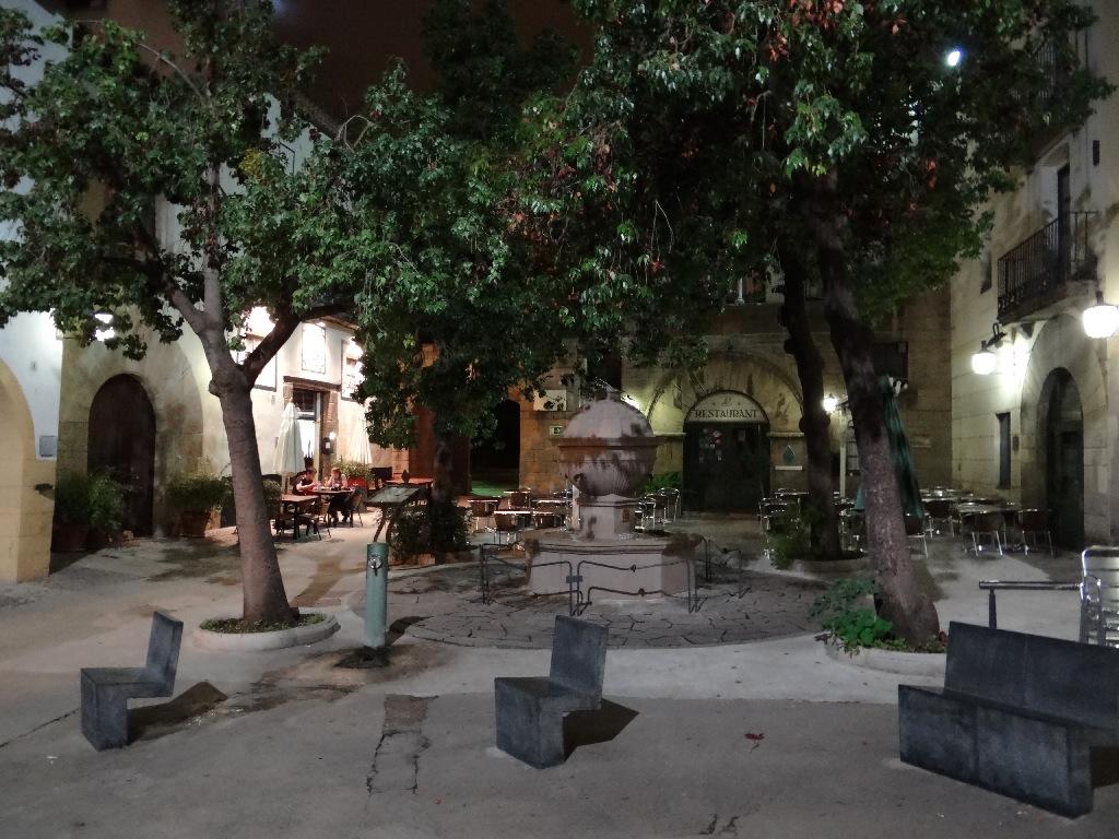 Pueblo Español garden