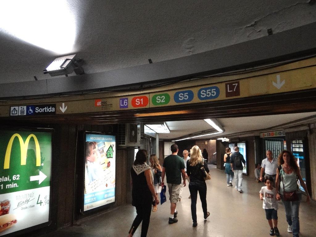 Subway Barselona inside