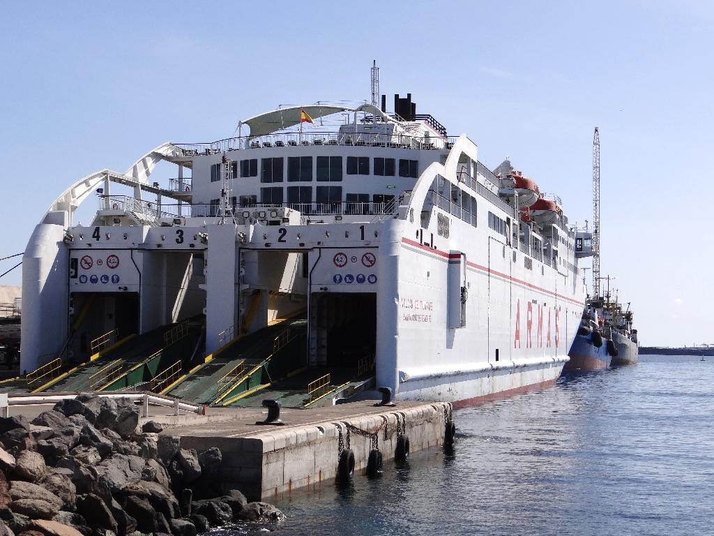 Armas ferry