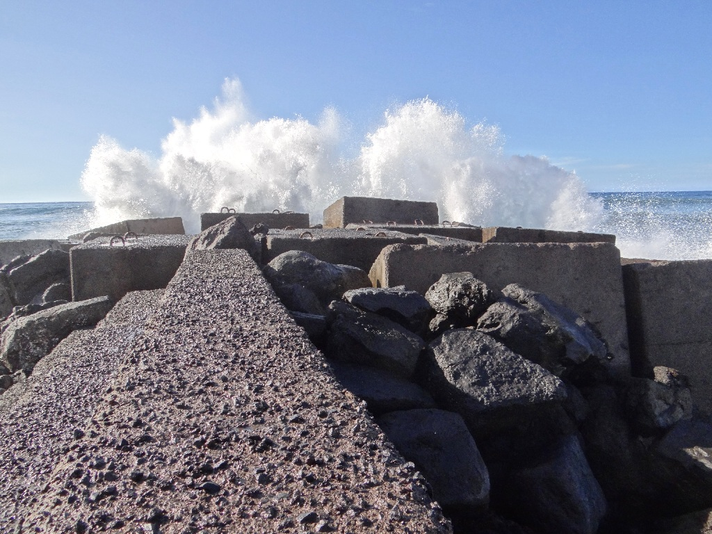 Beach Tenerife north waves