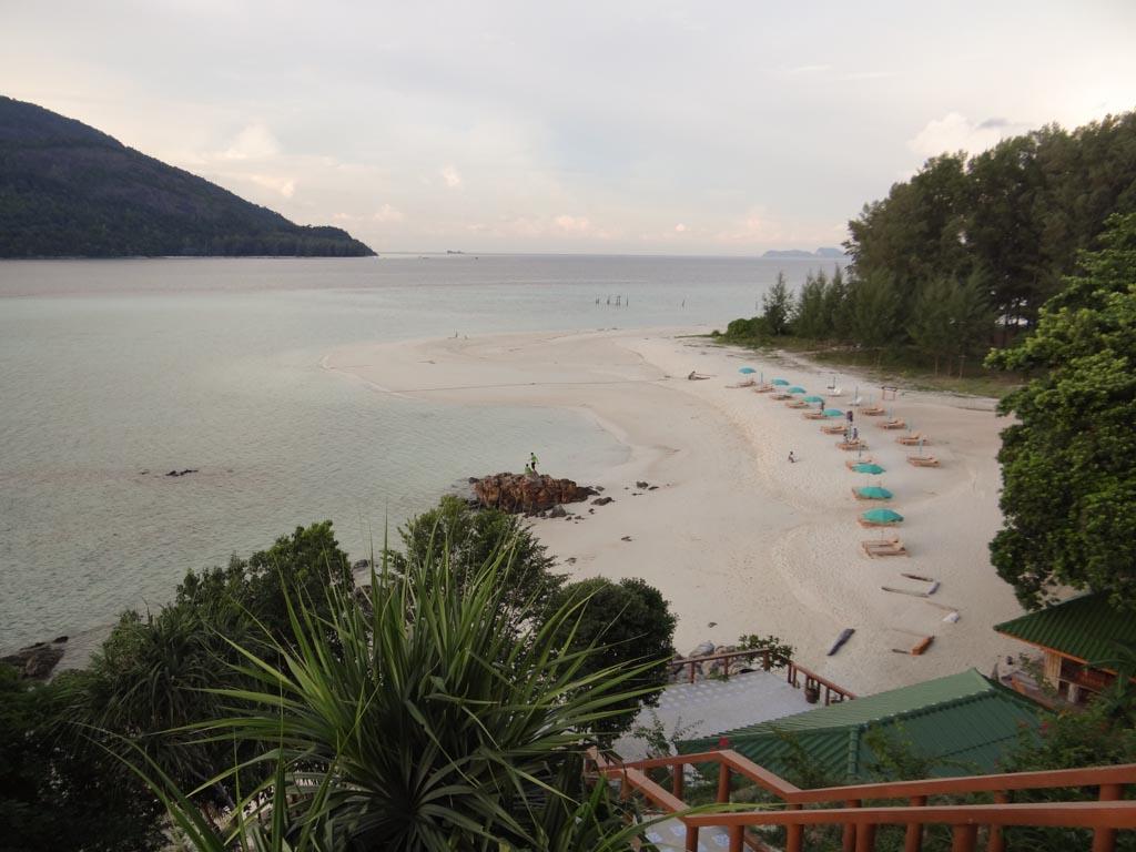 Опустевший пляж на Ко Липе