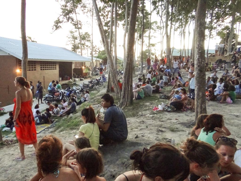 Люди на вершине КО Липе ждут землетрясение