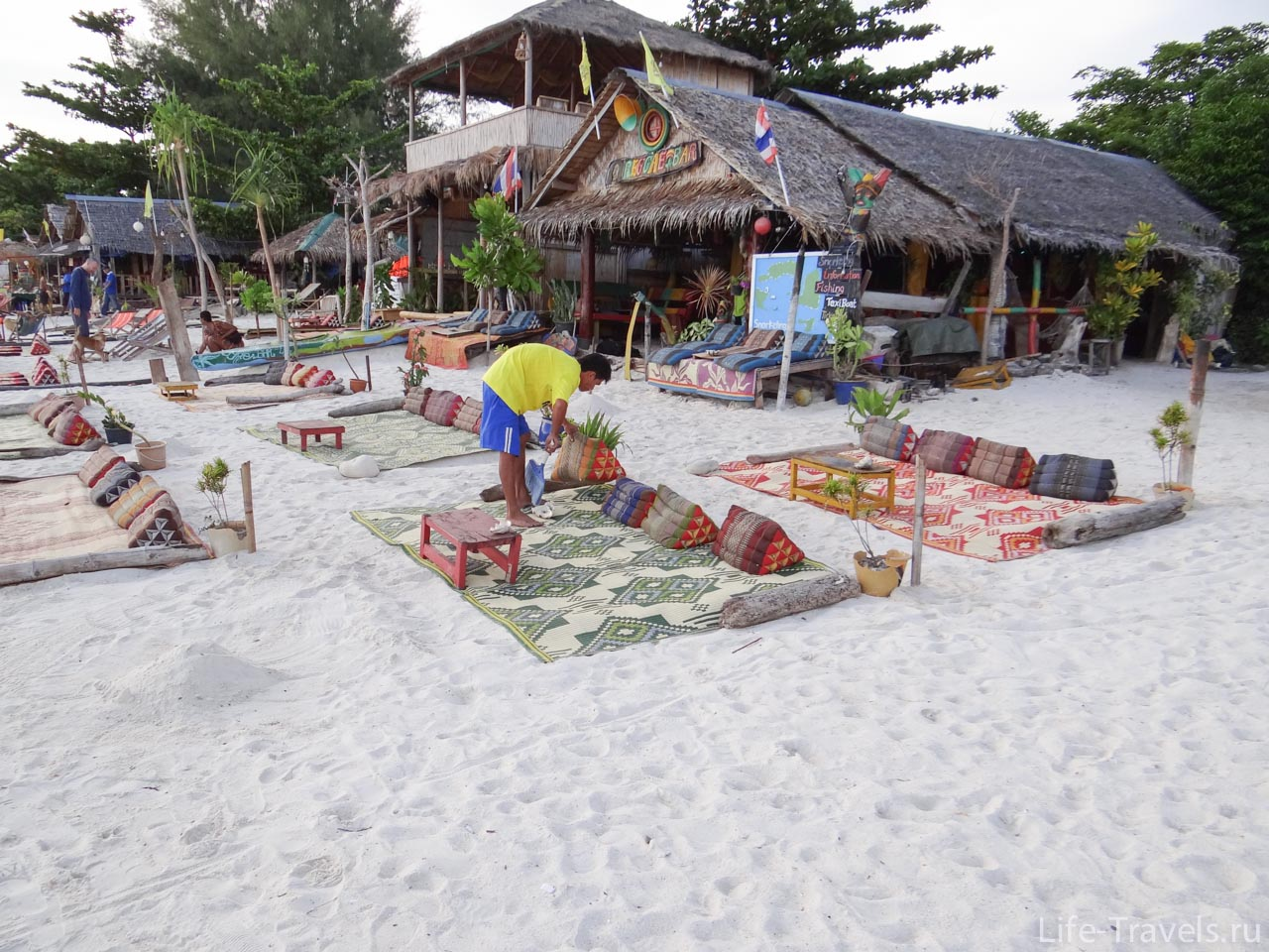 Restaurants on the sand