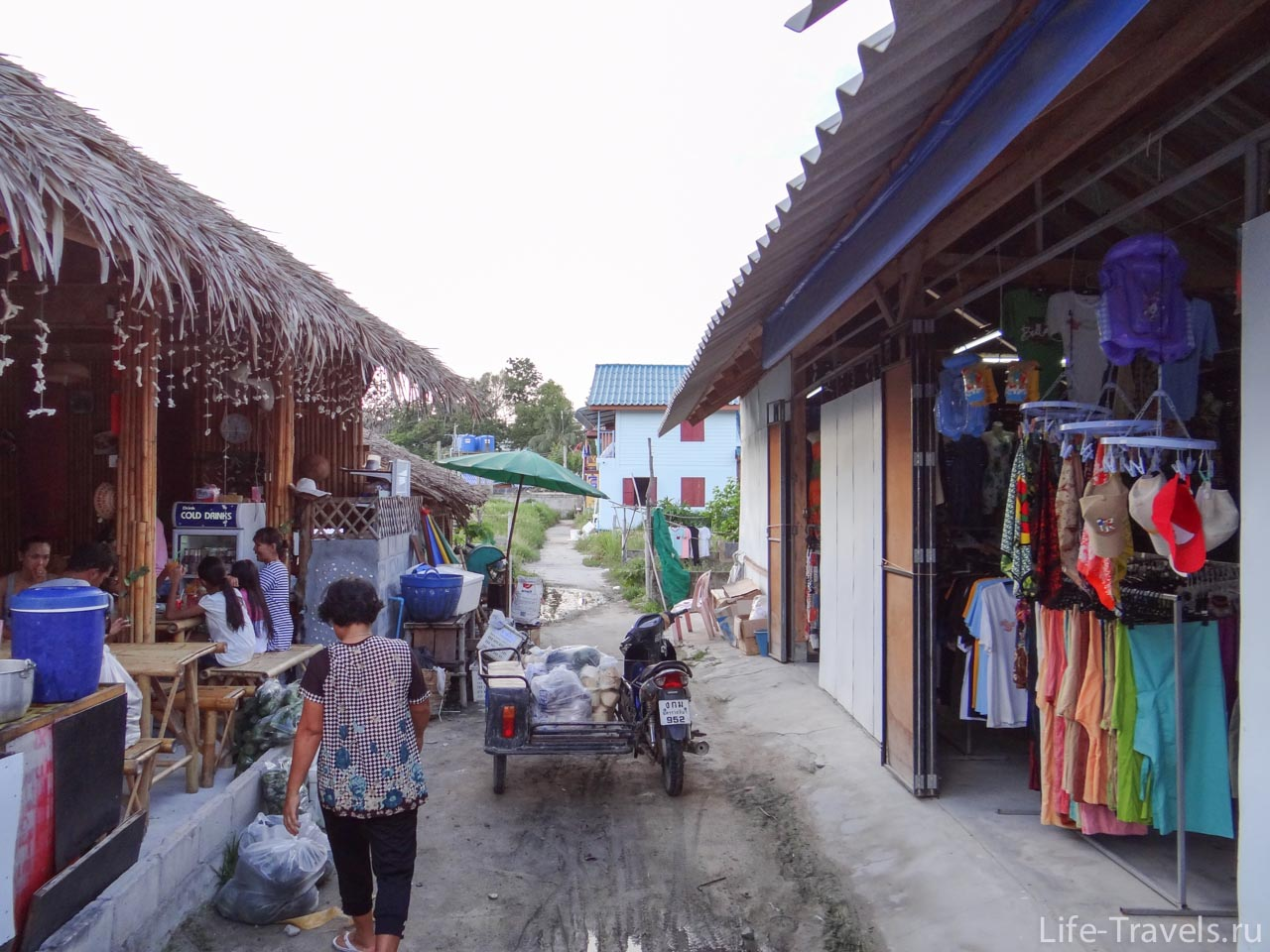 shopping street Koh Lipe